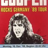 1989 - December 18 Trashes The World German Tour / Augsburg